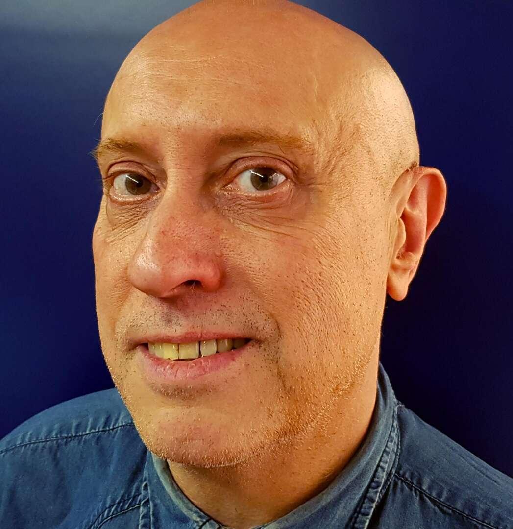 Ramon Oliver periodista i crític teatral