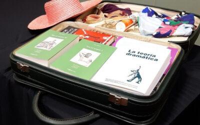 No saps què fer per les vacances? Un consell de l'IT: Omple l'estiu de llibres d'arts escèniques!