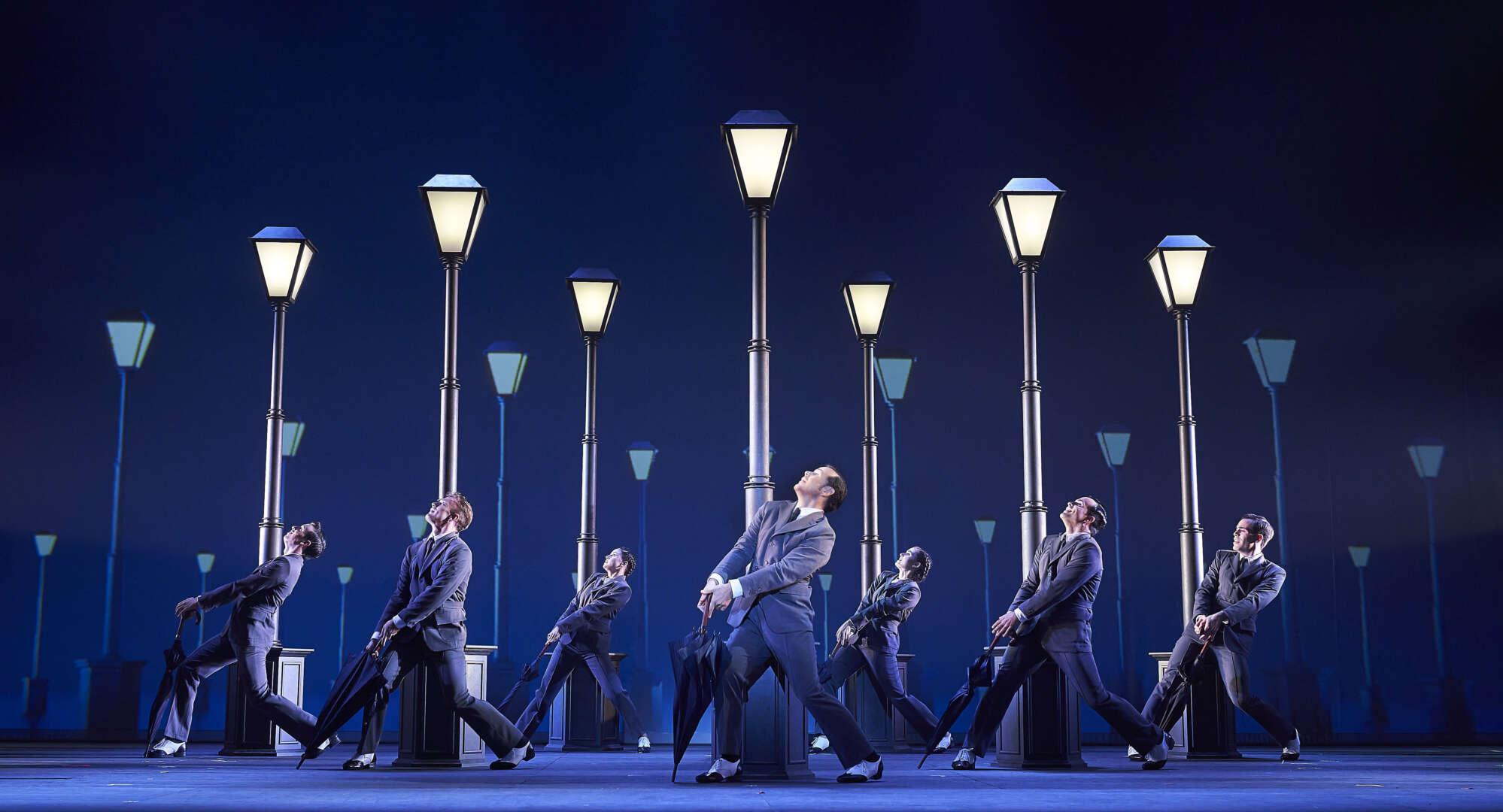 El moment més àlgid de l'espectacle, amb el tma 'Singing in the rain'